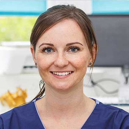 Laura Fisher – Dental Hygienist & Therapist GDC 123344